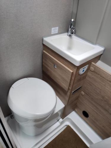 Toilette / Waschbecken
